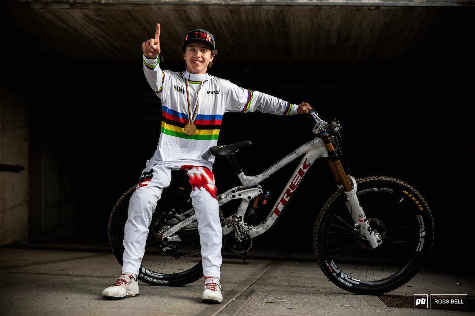 Jackson Goldstone takes his first World Championship title at the first time of asking.