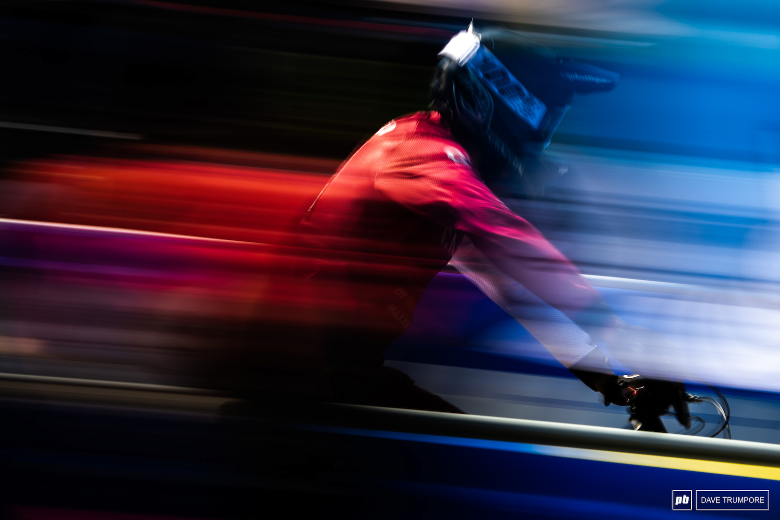 Panning with some French colors at the finish line