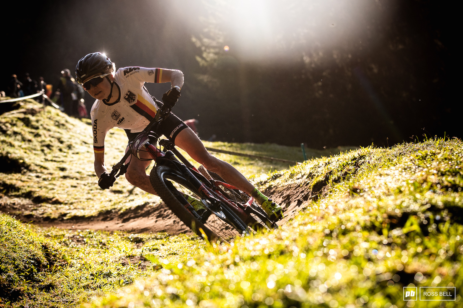 Leonie Daubermann cutting through the morning sunshine on her way to 4th place in the junior women.