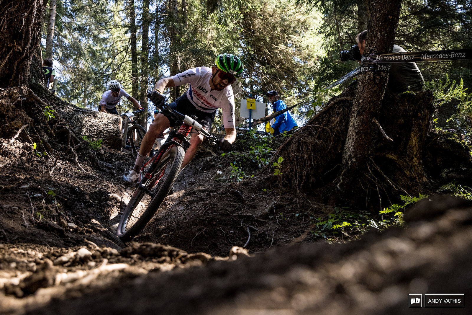 Mathias Flueckiger traded punches with Nino Schurter and would ultimately take third.