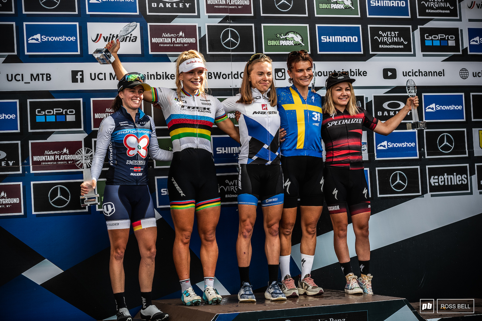 Loana Lecomte missed the final race but still managed to take the overall after dominating the early part of the season.