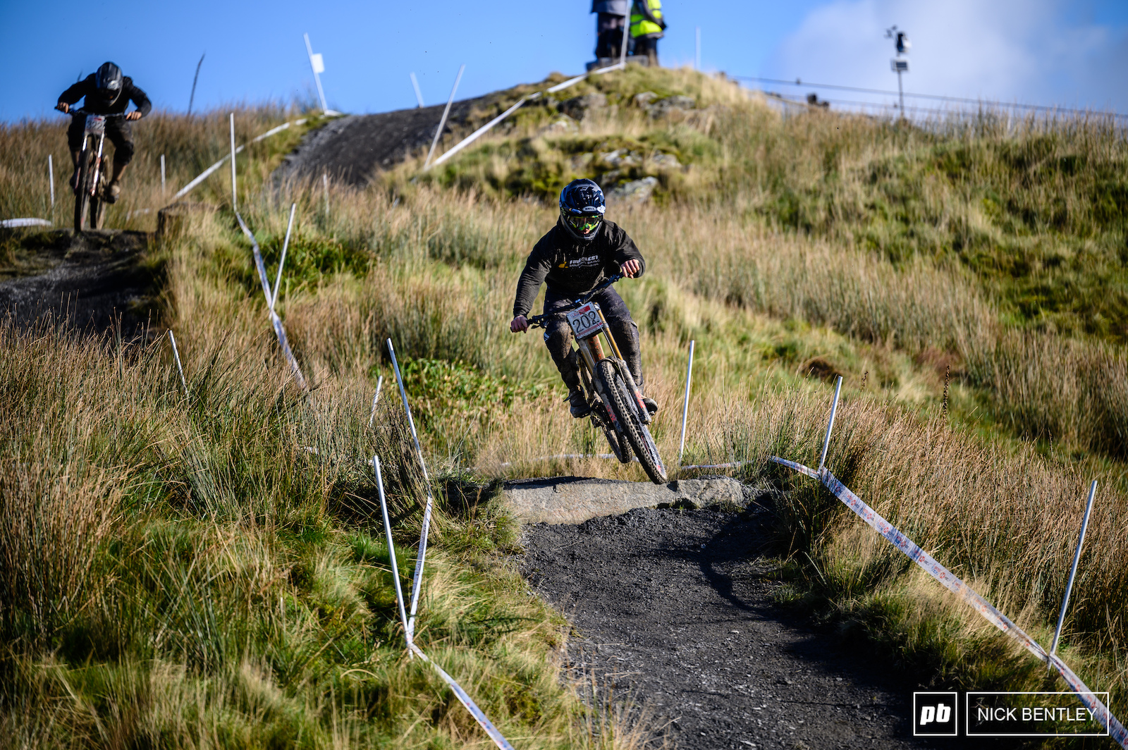 Morning practice was busy with all the riders wanting to take full advantage of the fast uplifts and the October Welsh sunshine