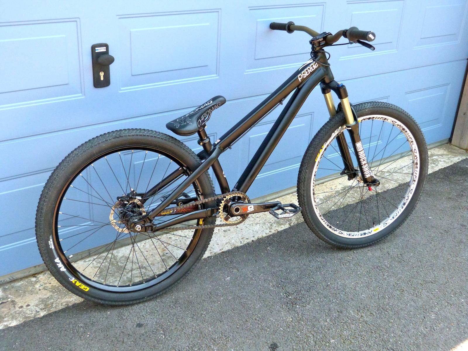My specialized p3 2013, best dirt bike ever !!